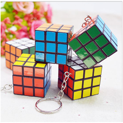 3公分迷你魔術方塊鑰匙圈 益智玩具 隨時動腦 有趣裝飾【省錢博士】 19元