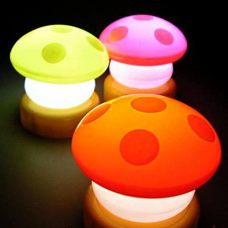 蘑菇拍拍燈/裝飾夜燈/床頭燈【省錢博士】隨機出貨