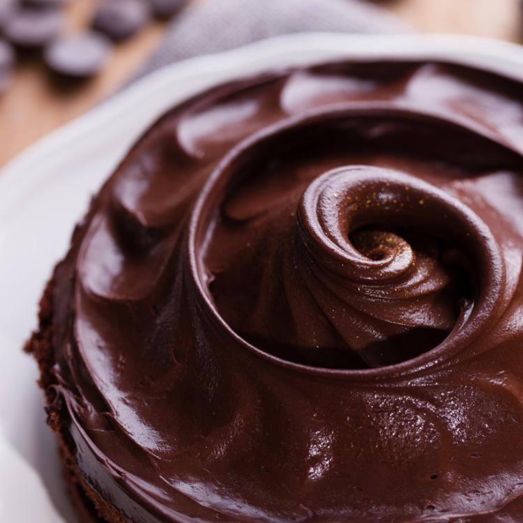 Color C'ode 凱莉小姐 8吋黑色經典 / 女孩們慶生最愛 / 比利時進口73%巧克力 / 濃郁細緻滑順巧克力甘納許 / 法定產區進口AOP頂級isigny奶油 / 澳洲進口最高品質乳酪