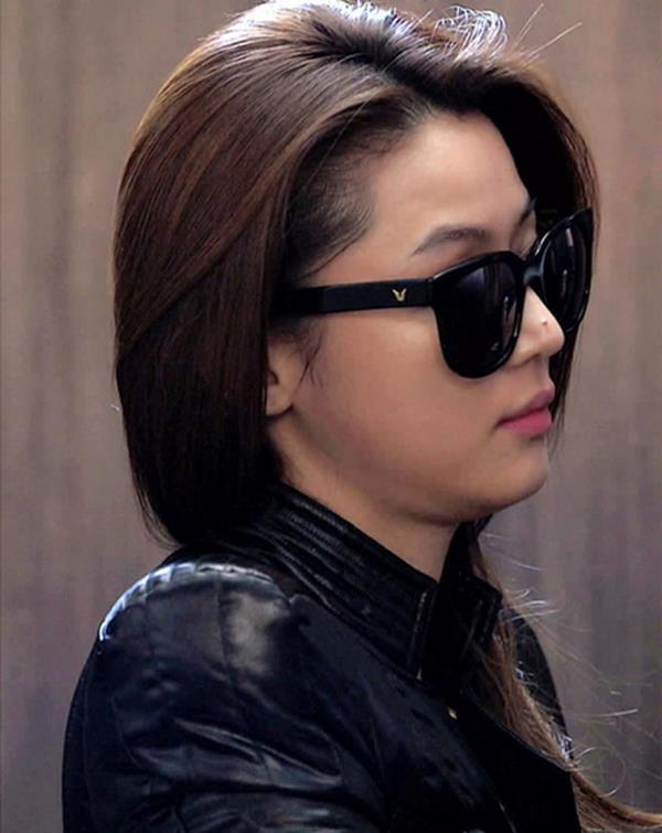 50%OFF【J003732Gls】千頌伊同款墨鏡 太陽眼鏡  附眼鏡盒 防紫外線 明星款 反光鏡面