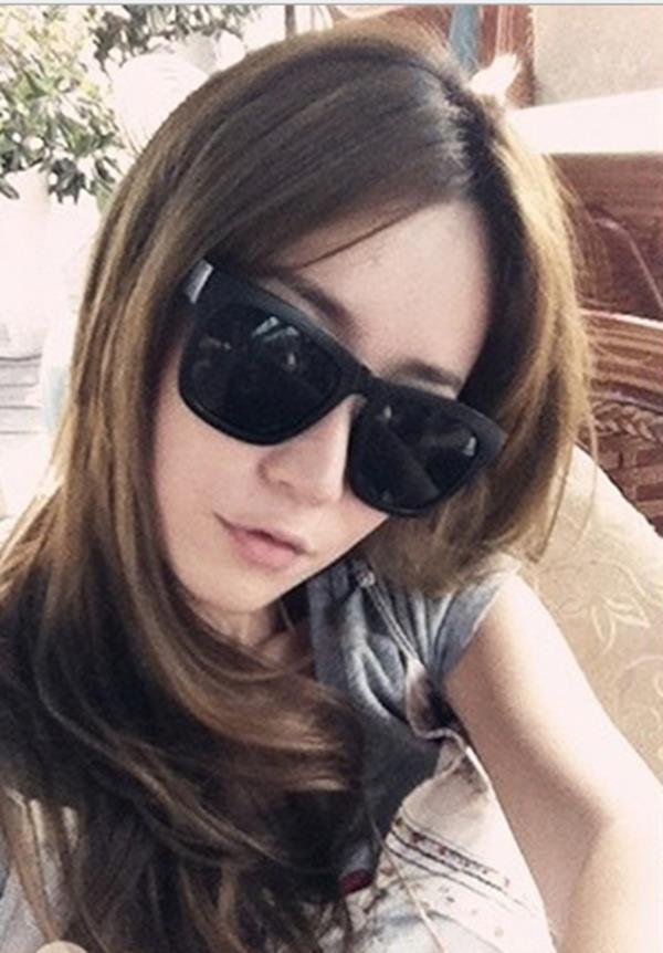 50%OFF【J003735Gls】經典款小辣椒太陽眼鏡批發 時尚方框墨鏡 附眼鏡盒 防紫外線 明星款 反光鏡面