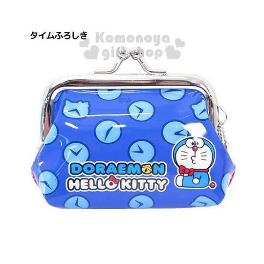〔小禮堂〕KittyX哆啦A夢 防水口金零錢包《小.紅藍.側坐.時鐘滿版》可愛又實用