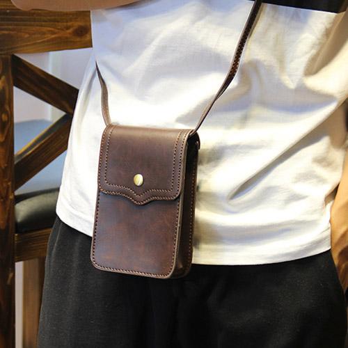 PocoPlus 正韓直達 跨肩包 手機包 磁扣小包 休閒款 潮流款 相機包 韓版斜背包【B441】