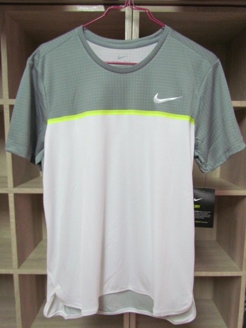 Nike Men Challenger Crew 短袖白灰上衣