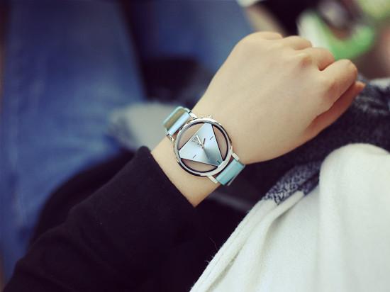 個性時尚雙面鏤空三角形手錶(現貨+預購)