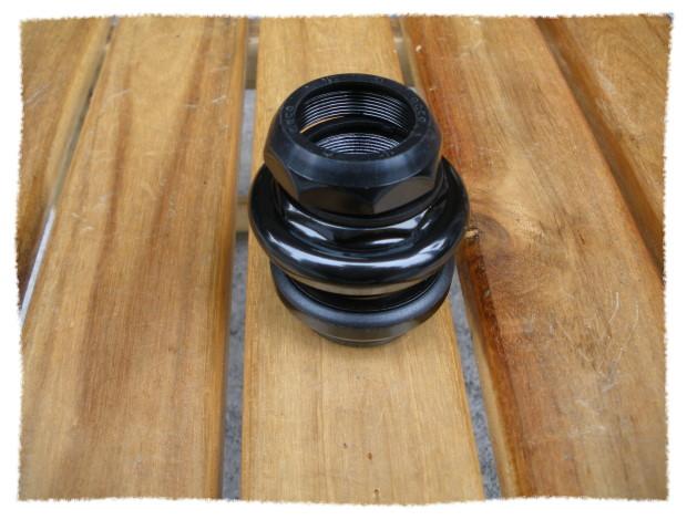 1-1/8吋有牙式車頭碗 (黑色)《意生自行車》