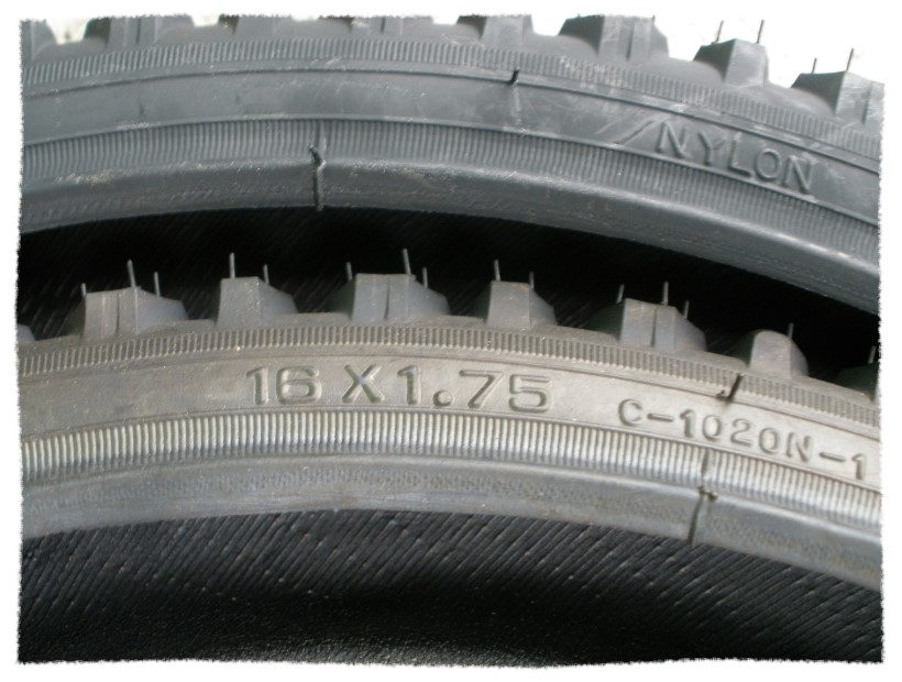 正新輪胎16 x 1.75 粗紋《意生自行車》