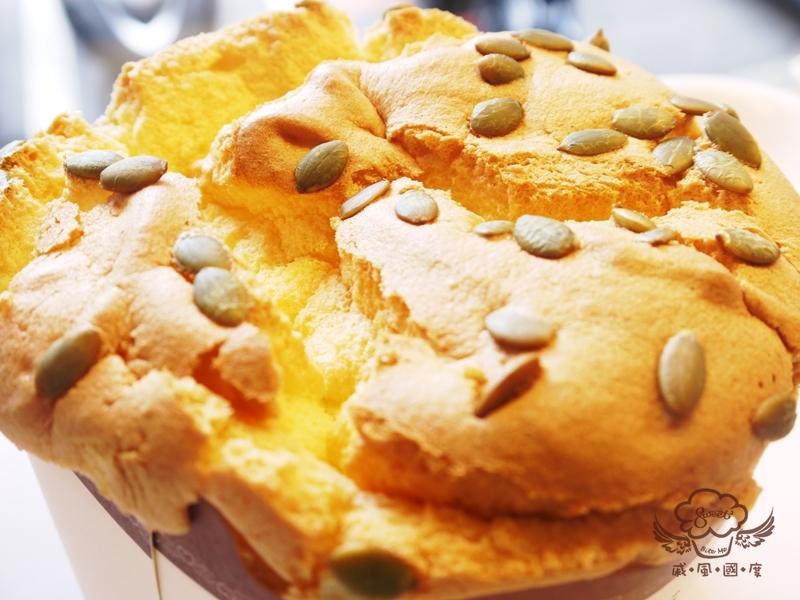 【戚風國度bite me】原味香草戚風,不分老少皆喜愛的古早味蛋糕,有著濃郁香草香味,加上綿密口感,讓人忍不住一口接一口[彌月、團購、拜拜、伴手禮首選]