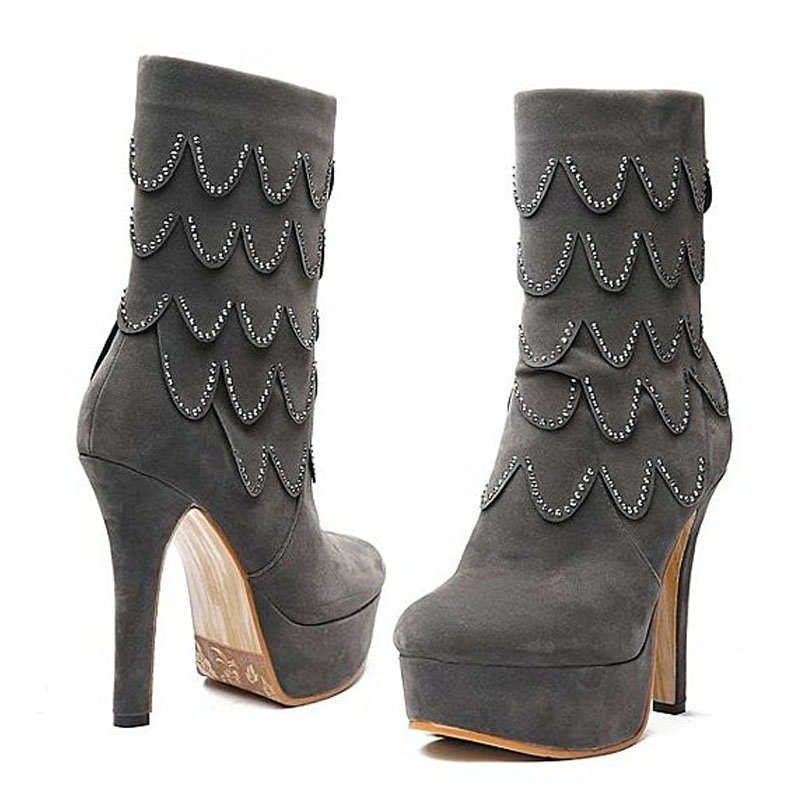 水鑽造型絨面高跟短靴