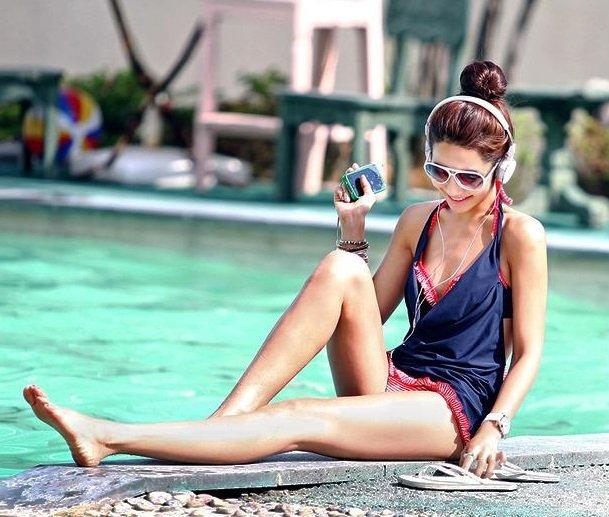 豐胸效果推薦款《精選泳衣》韓國時尚大牌?豐胸效果比基尼三件式+深藍外衫 可泡溫泉 (可加購防水相機) 台中