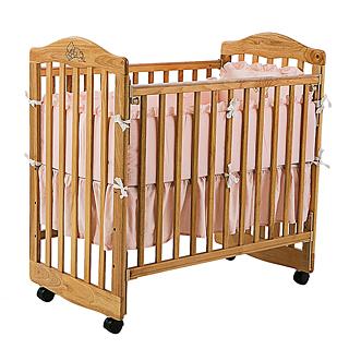 【美國 L.A. Baby】蒙特維爾美夢熊嬰兒木床-超值優惠組合(嬰兒床+純棉五件式寢具組+贈全罩式蚊帳)