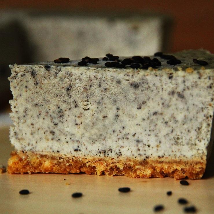【黑芝麻乳酪】重乳酪蛋糕 5.5吋 每盒8片