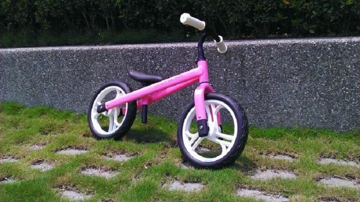 【Double Balance】 兒童滑步車 平衡車 (極致輕挑款) 粉紅色車身/白色PU輪 台灣製造 KMA-05極致輕挑款