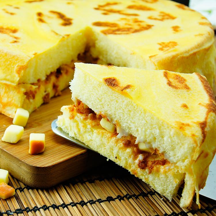 ❤8吋 輕。鬆❤鹹乳酪二重奏►以特製超濃乳酪醬、煙燻起士丁,獨家煉製祕方提出肉鬆的鹹香甜,最後以頭家私房手工法式薄餅 ,將所有味道融而為一,成為你味蕾上的記憶【伯恩乳酪工坊】感謝食尚玩家&愛玩客等20家媒體採訪!!#熱搜美食#彌月禮盒#伴手禮#鹹乳酪#下午茶