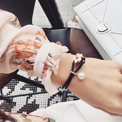 PS Mall 韓版新款時尚編織PU皮珍珠春天花簇設計花手鐲甜美款手鍊 手環【G1990】