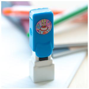 《海綿寶寶-蟹老闆》自動開蓋小職章 ( CS-03B 藍 )