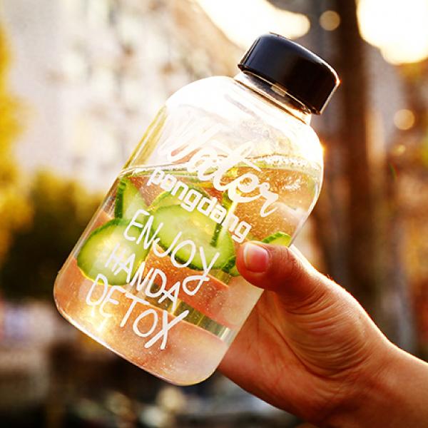 限時五折$179★PS Mall 韓國玻璃杯水瓶600ML 水壺 水杯 隨行杯 冷水瓶 大容量 PongDangWater【J1703】>> 另有1000ML大小可選擇喔