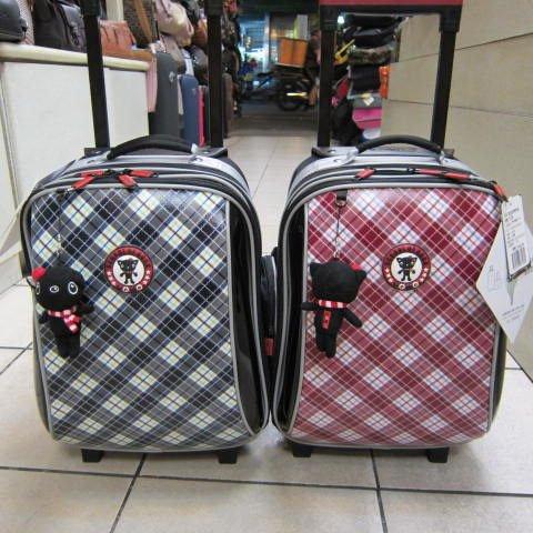 ~雪黛屋~UNME造型拉桿背包 台灣精品製造個人登機箱 拉桿書包 外出旅行 置物箱#3328  紅格