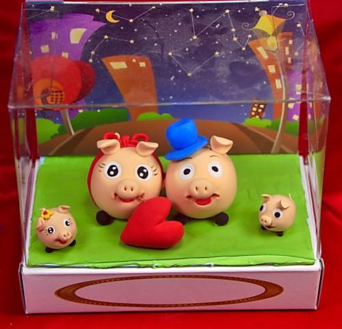 小豬捏麵人 盒長 10.1cm* 寬 15.3cm*高 13cm【捏麵人】