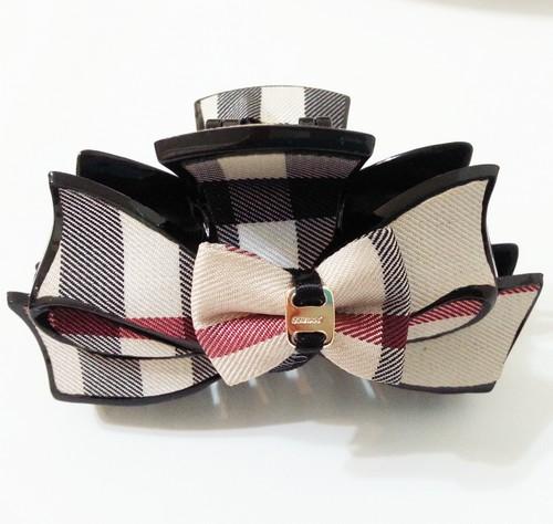 【SiSi 時尚派對】韓國進口專櫃款經典格紋蝴蝶結髮夾 鯊魚夾 髪飾