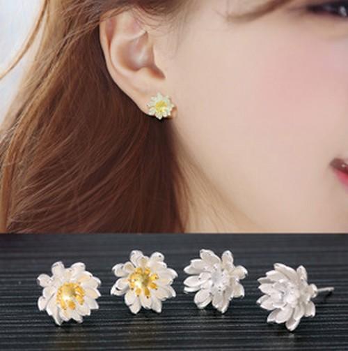 【SiSi 時尚派對】韓版時尚氣質蓮花耳針甜美花朵925純銀磨砂防過敏耳環