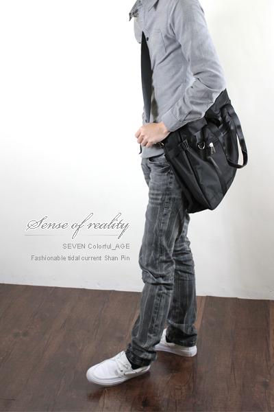柒彩年代【NZ45】高磅尼龍吉田風格百搭可當側背包+肩背包~東區型男大容量