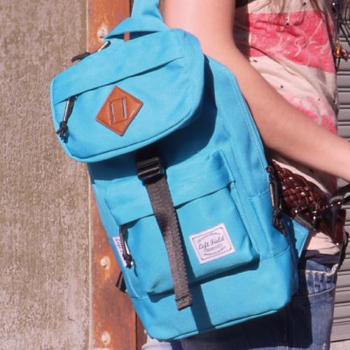 斜背包-開心騎車趣單肩設計輕盈多口袋收納豬鼻子斜後背包.寶貝窩.【HX44025】
