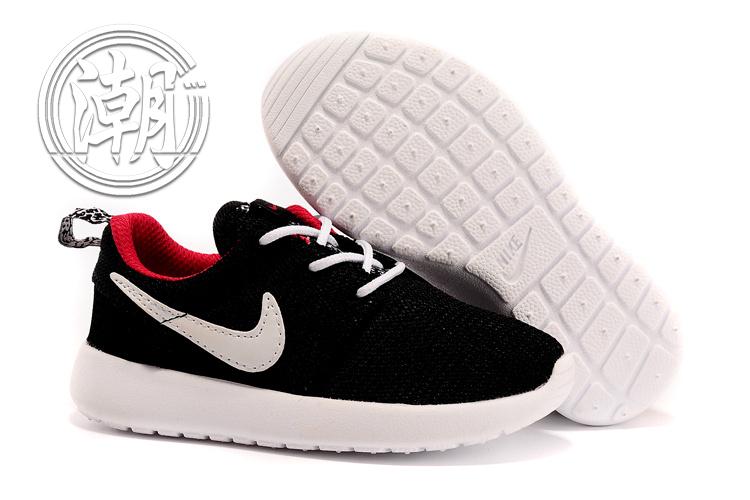 全新正品NIKE Roshe run One超輕量 童鞋 黑色白勾 大童鞋 余文樂 學步 透氣 經典百搭【T0080】潮