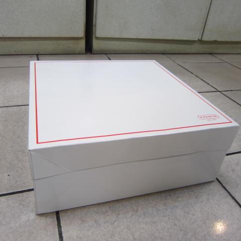 ~雪黛屋~COACH 大包盒國際正版大包款男女包款紙盒進口厚紙材質可摺疊收納展開為盒-大包款盒-紅邊