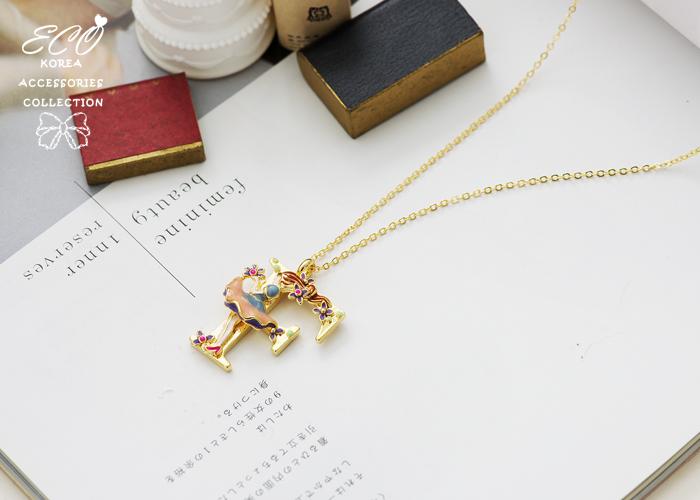 字母,鑽,釉彩,愛莉絲夢遊仙境,英國大兵,小紅帽,小熊,鐵塔,韓貨,韓製,項鍊