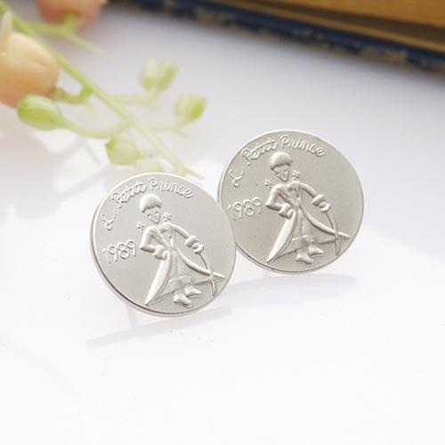 ECO安珂.小王子圖案圓牌 貼耳耳環(2色)【2-872】