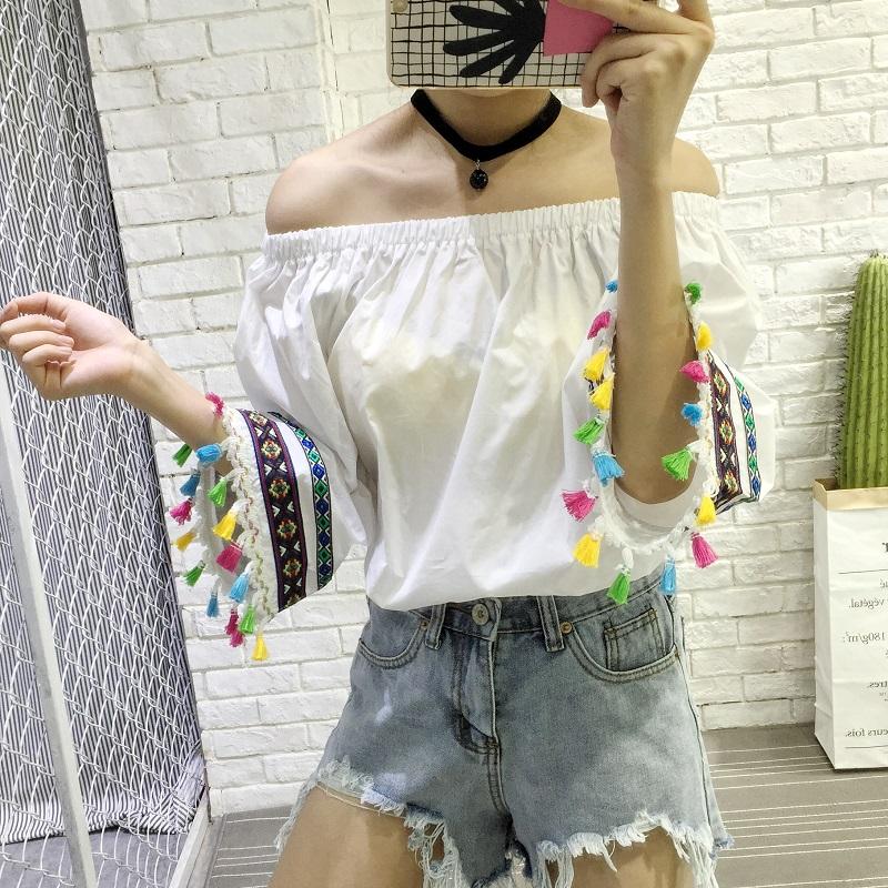 PS Mall 寬鬆一字領甜美彩色流蘇喇叭袖露肩襯衫T恤【T2552】