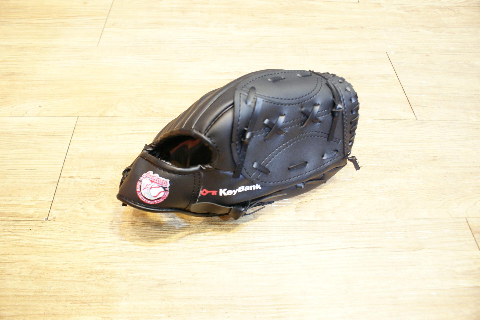 棒球世界 全新黑色合成皮手套 特價 送球