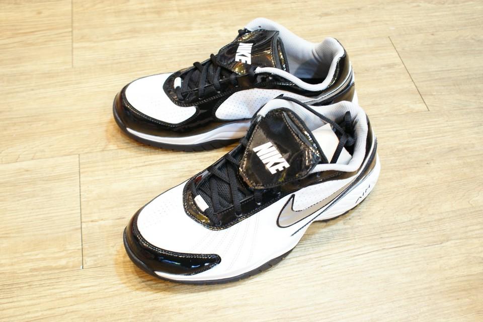 棒球世界 2011 年 Nike Air Diamond Trainer 白色 銀LOGO 氣墊教練鞋 特價
