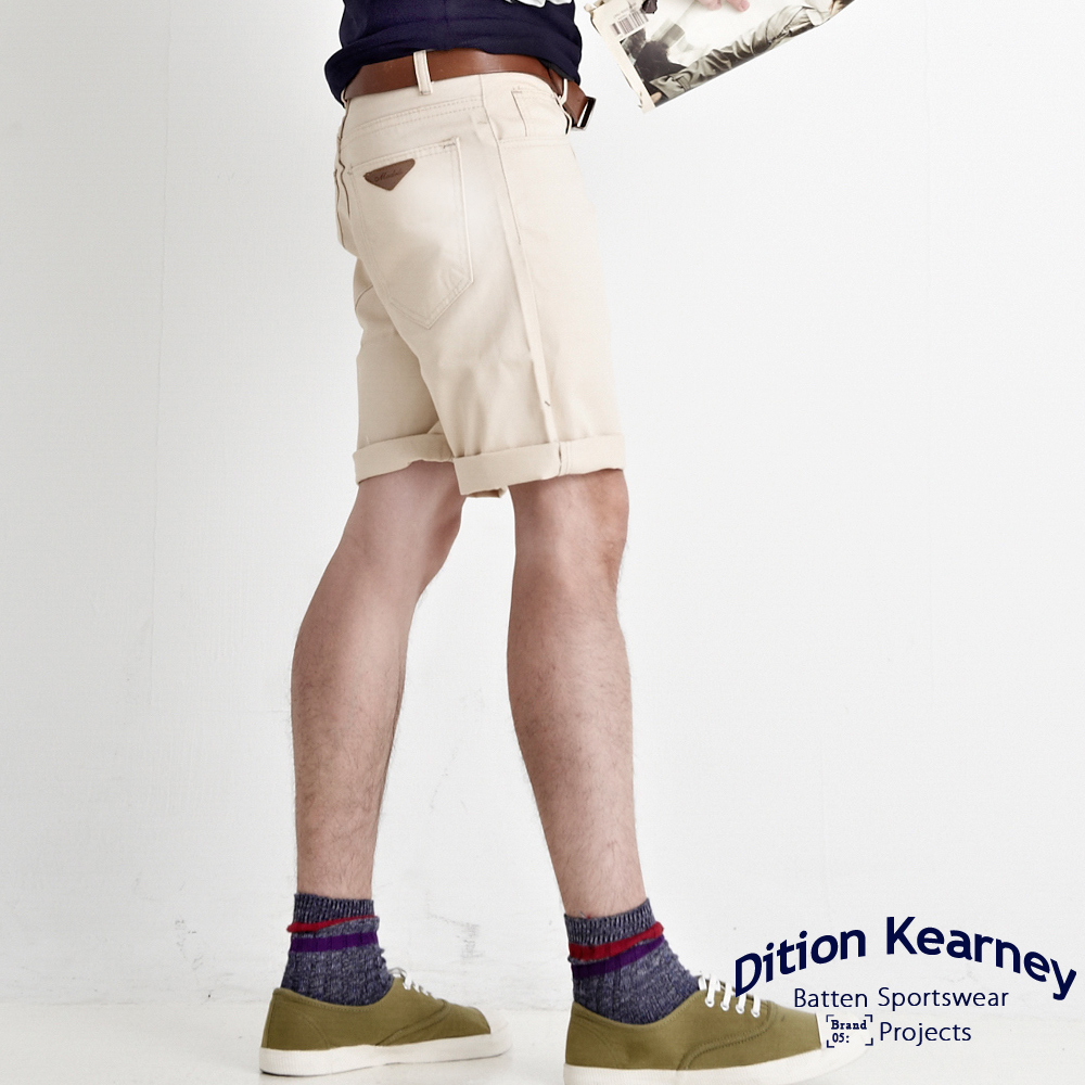 DITION 買一送一ARROW三角箭頭皮革膝上短褲