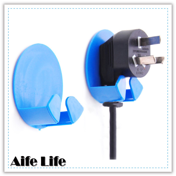 【aife life】插頭掛勾/粘貼式電器插頭掛勾/插座收納架/電源線插頭掛鉤/禮品贈品