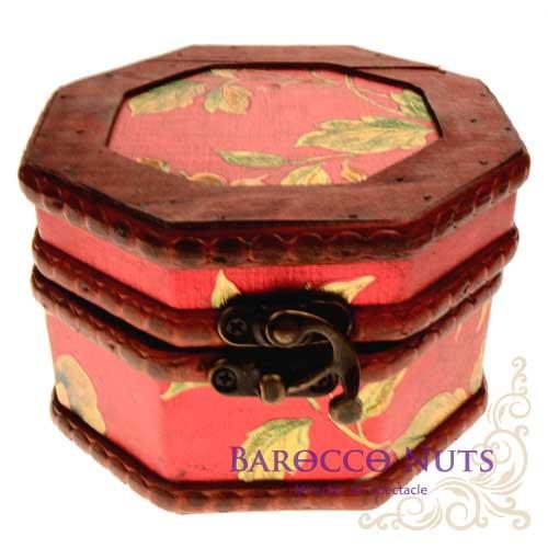 【Barocco Nuts】[藏寶箱] 5吋八角盒-復古大紅底金牡丹藏寶盒(仿古/金銀島/可可島/化妝盒/寶藏盒/珠寶盒/首飾盒/古典木箱/復古首飾盒)