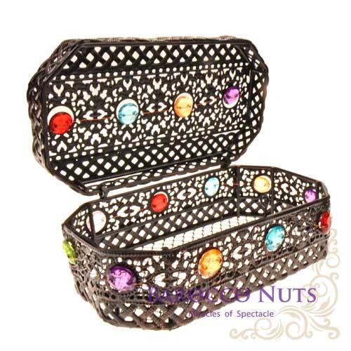 【Barocco Nuts】[特色擺飾]6吋 摩洛哥風格 復古鏤空彩石鑲嵌八角首飾盒-黑鐵色(雕花/收納籃/珠寶盒/合金/歐風/居家生活/金屬工藝/低調奢華/手工)