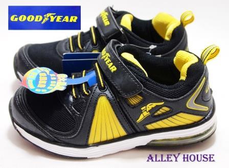 【巷子屋】GOODYEAR固特異 男童六大機能氣墊運動慢跑鞋 [20084] 黑黃 超值價$398