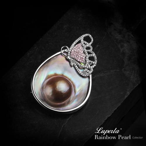 大東山珠寶 頂級彩虹珍珠璀璨寶石胸墜 曠世珍情