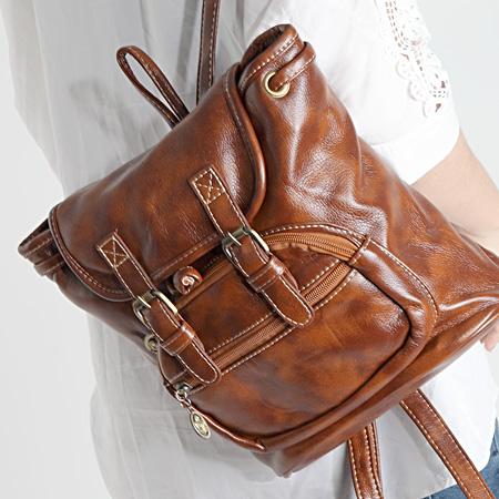 LINAGI里奈子精品【KHA506-83-92】韓KOREA 韓國空運 復古油皮色前拉鍊儲物袋皮帶磁釦設計後背包