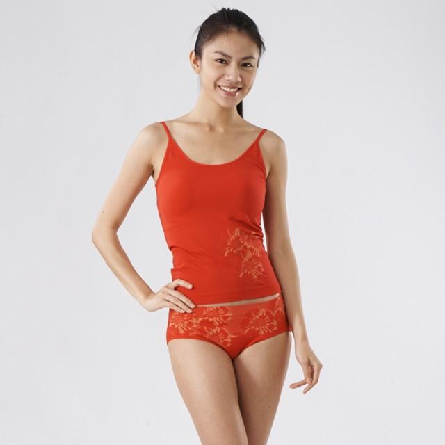 【S&M】台灣製 - 女奈米銀纖維開運竹炭抗菌透氣無縫低腰三角褲(紅色 M-XL)