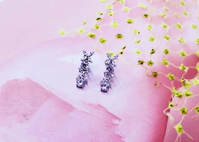 韓國飾品,意象花朵造型耳環,鑲鑽耳環,夾式耳環