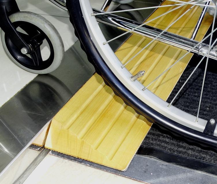 [新品特價中] 木製斜坡板 - 2色可選 多尺寸 美國白楊木 原木 銀髮族 輪椅使用者 減緩高低差 段差消除 台灣製
