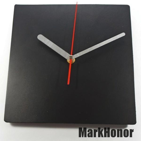 簡約風格-方型 100%真皮皮革 靜音 時鐘 掛鐘 壁鐘 黑 22公分-Mark Honor