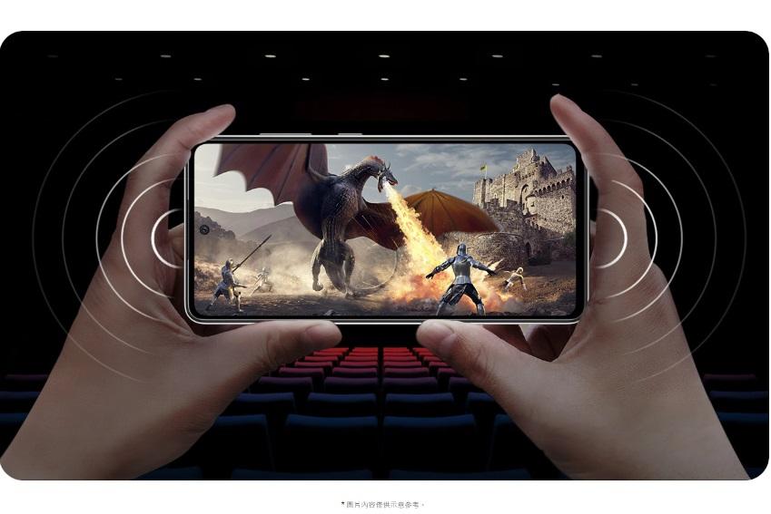 兩組揚聲器一組在上,一組在下,無需使用耳機,就能享受立體聲體驗。身歷其境的劇院級音效,讓觀賞電影或遊戲體驗邁向全新境界。