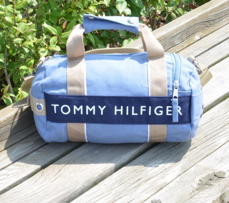 限量美國空運 TOMMY HILFIGER 兩用休閒運動(小)圓桶包肩背包(天藍色)手提包,約A4大小