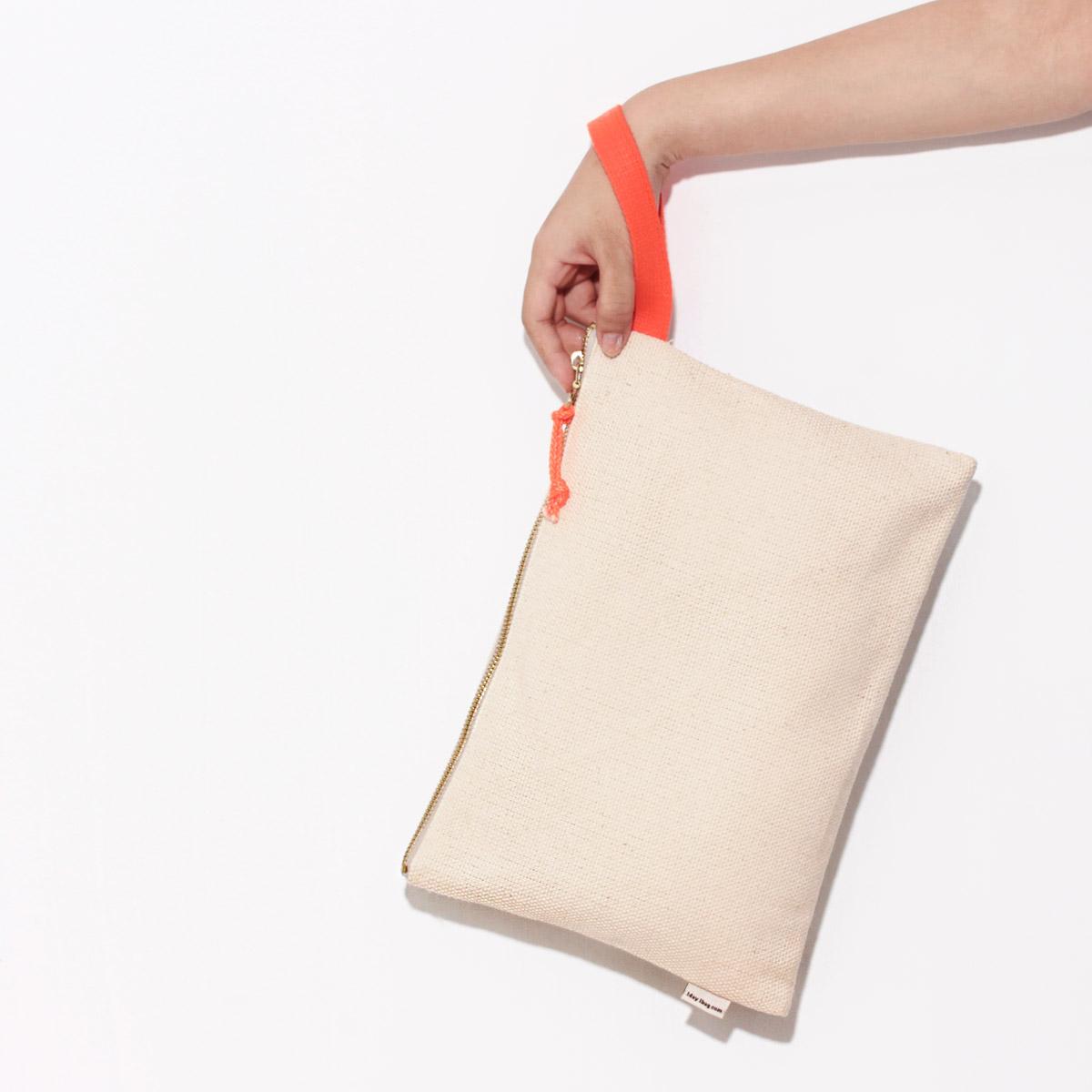 [A4手拿包-螢光橘色腕帶] 手拿包/上課包/拉鍊袋/帆布包/Eco包/1day1bag