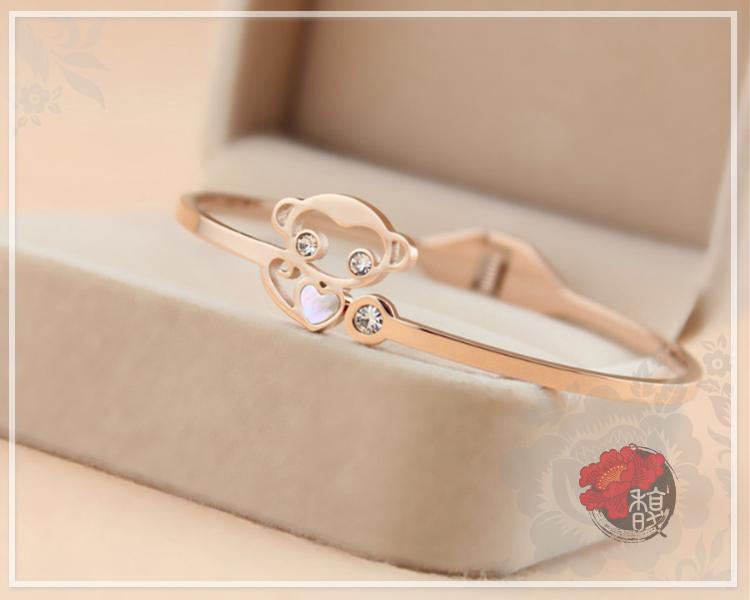 鑽猴護身玫瑰金鈦鋼手環