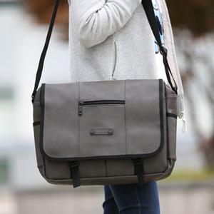 背包 韓國LEFTFIELD皮革電腦包 書包 肩背包 NO.708 ??【包包阿者西】
